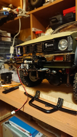 Tamiya hilux support treuil-004.jpg
