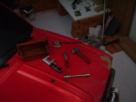 Toyota hilux boite a outils + hache 1