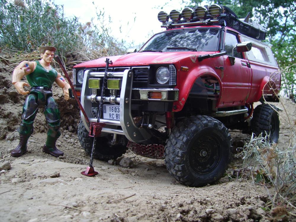 Hilux : Hi-lift V1 (2.In Action) - Mes R/C : Scale trial, Rally, Bash